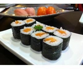 Суши с красной рыбой от компании «Токио»